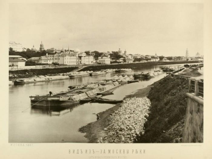 Вид в сторону Таганки от Устьинского моста.