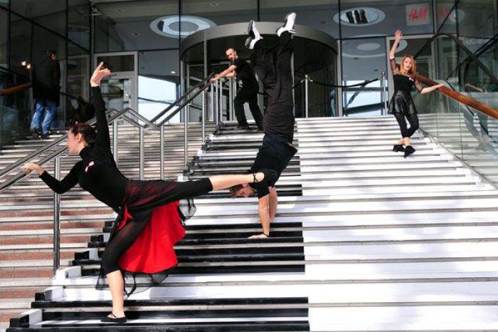Лестница-фортепиано, где каждый шаг по ступени выдает различные ноты.