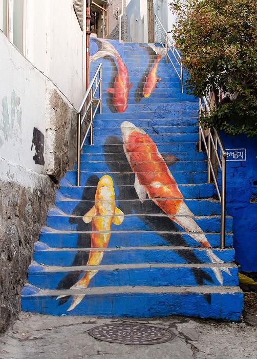Лестница с рыбами, парк Наксан.