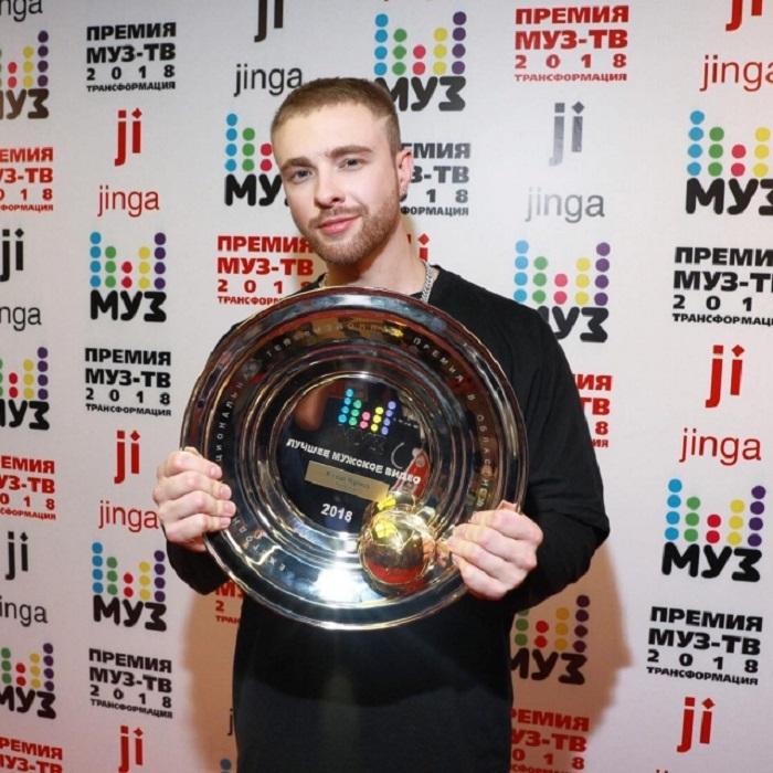 Награду телеканал МУЗ-ТВ присудил Криду за клип «Потрачу».