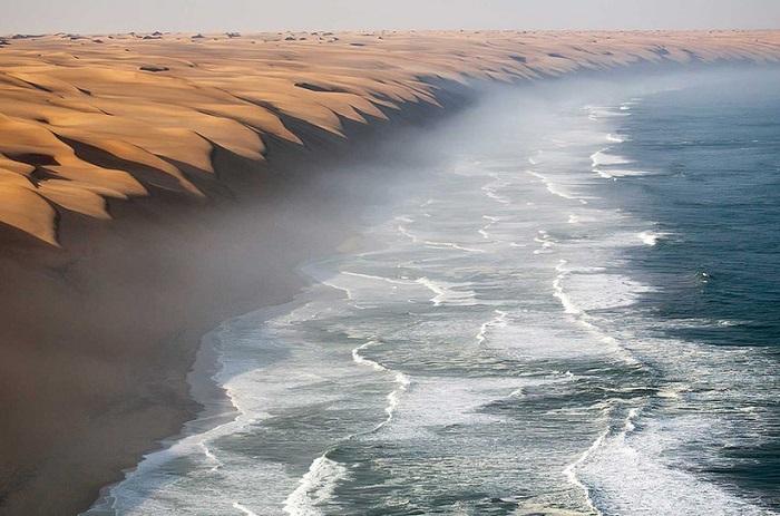 Сказочное место на Земле, где встречается пустыня с Атлантическим океаном.