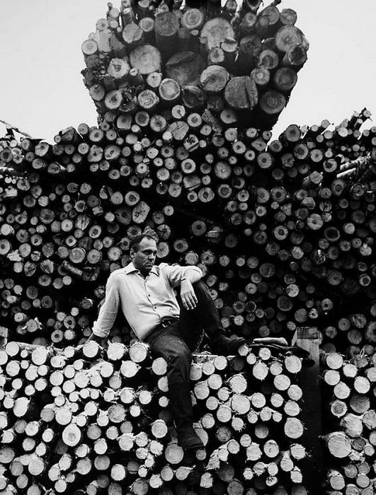 Владимир Меньшов на съемках фильма «Под одним небом». 1981 год.