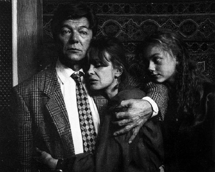 Александр Збруев, Марина Неелова, Мария Каленская на съемках фильма «Ты у меня одна». 1993 год.