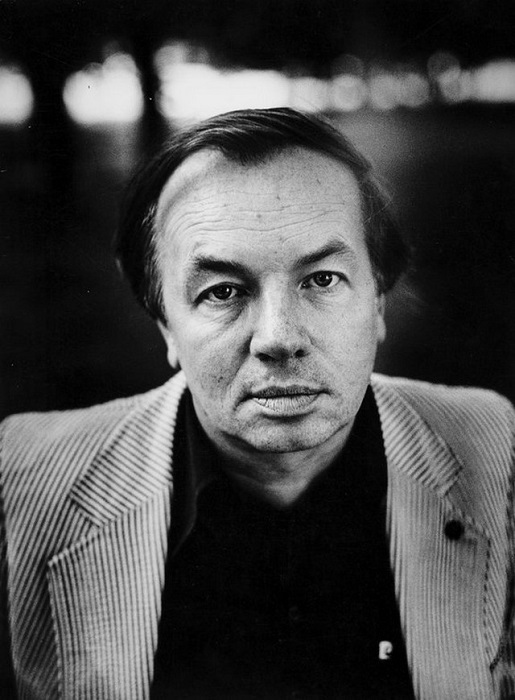 Советский и российский поэт Андрей Вознесенский. 1983 год.