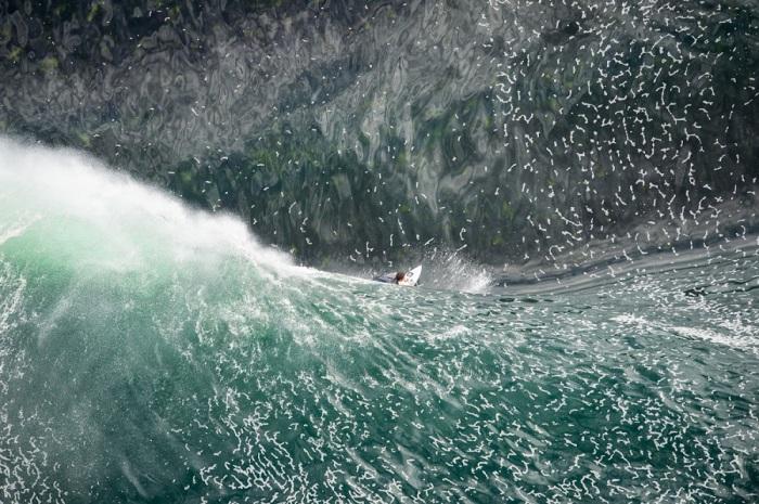 Самая опасная волна в Австралии. Фото сделано с вертолета на высоте 92 м. фотографом Яном Берд (Ian Bird).