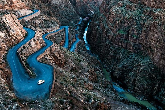Горная дорога через ущелье дю Дадес. Фотограф: Angiolo Manetti's.