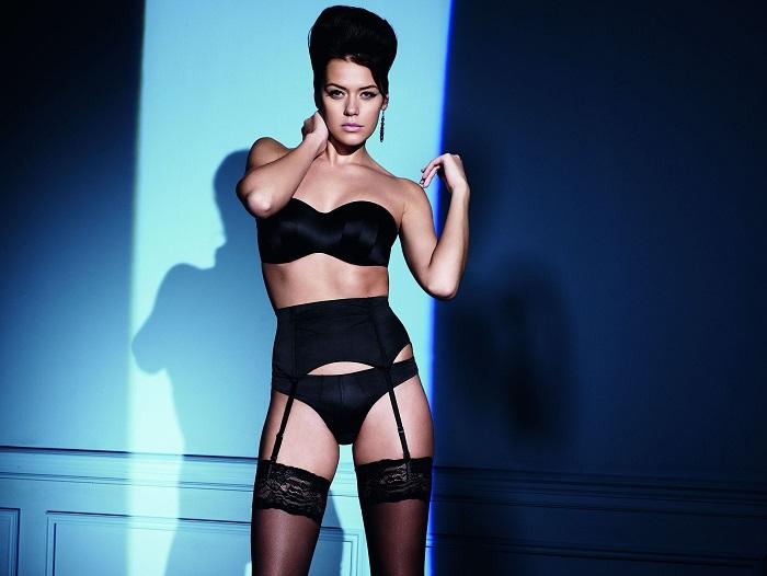 Благодаря своей великолепной фигуре российская модель из Тюмени очень часто появляется в рекламных кампаниях нижнего белья.