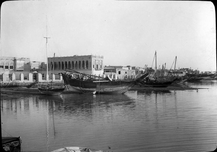 Прибрежный комплекс дворцов эмира Кувейта.