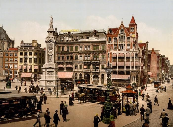 Прямоугольное сердце Амстердама, здесь располагаются самые известные в столице здания.