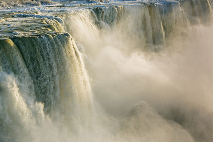 Самый мощный водопад в Северной Америке.