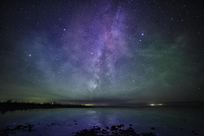 Озеро Мичиган является самым большим пресноводным озером в пределах территории США, которое освещается только звездами.