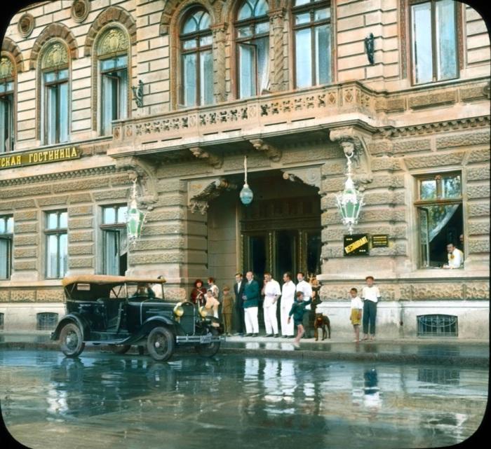 Гостиница на Приморском бульваре.