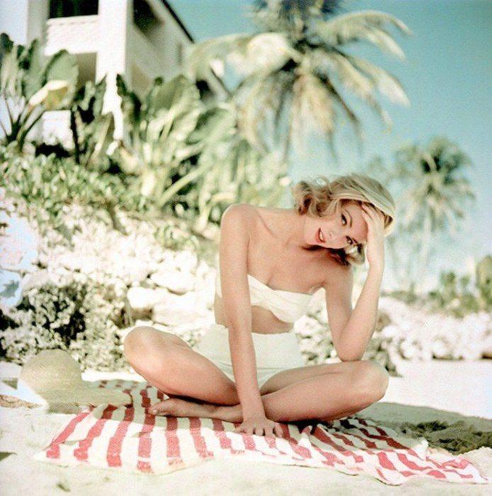 Американская актриса, воплощение красоты, аристократичности и утончённости.