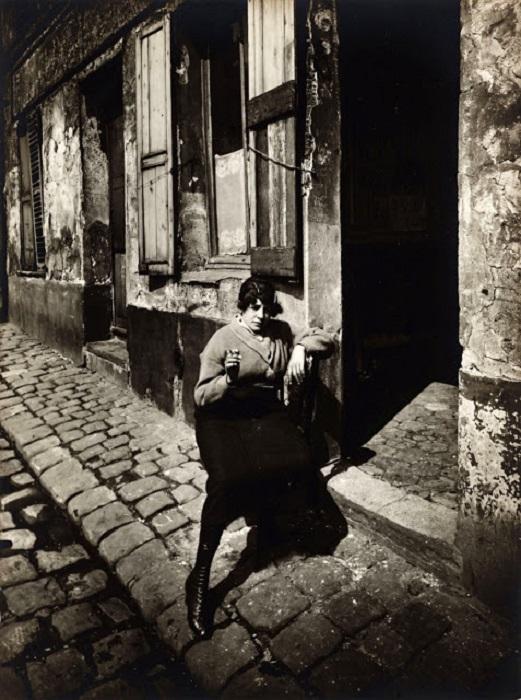 Девица лёгкого поведения. Франция, Париж, 1921 год.