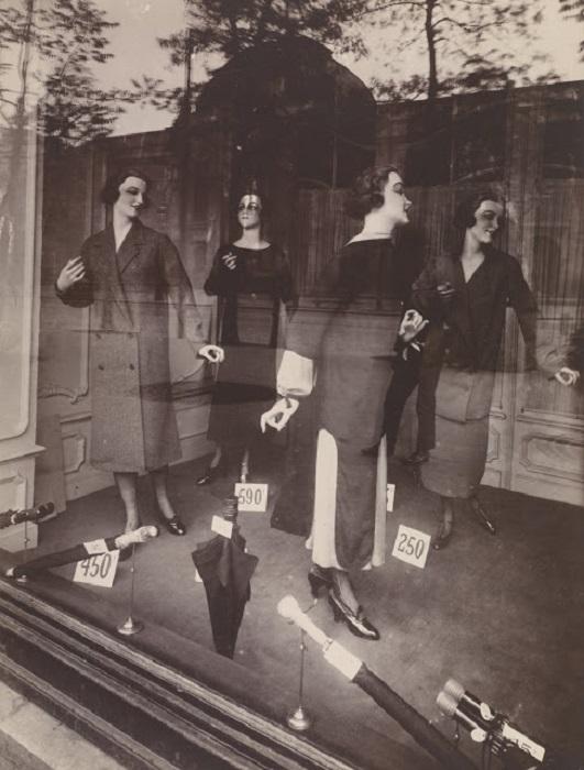 Витрина парижского магазина.