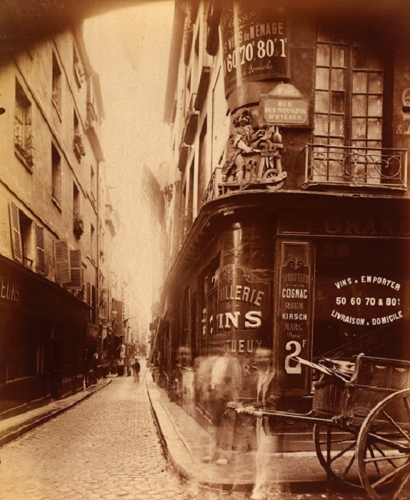 Угол улиц Жуи и Ноннан-д'Ир.