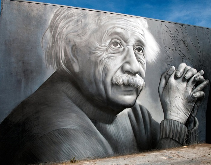 Стрит-арт известного как в Торанге, Новая Зеландия так и далеко за его пределами художника Owen Dippie.