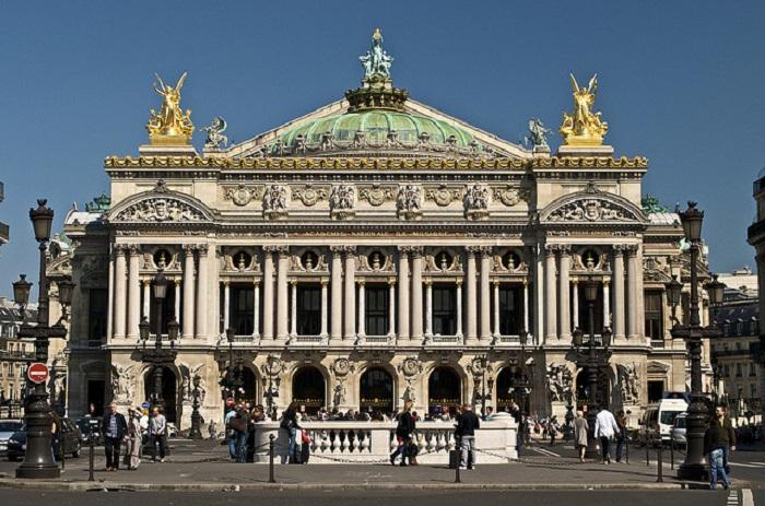 Самый красивый государственный оперный театр в мире.