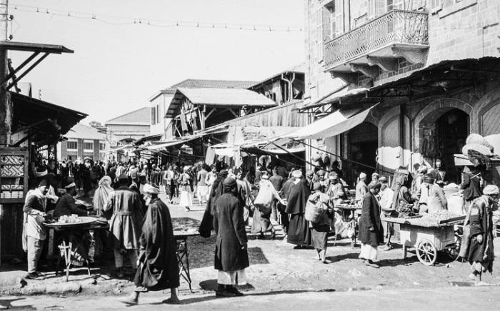 Блошиный рынок в центре древнего города Яффо.