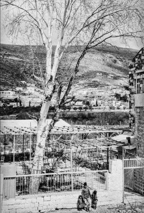 Город на Западном берегу реки Иордан.