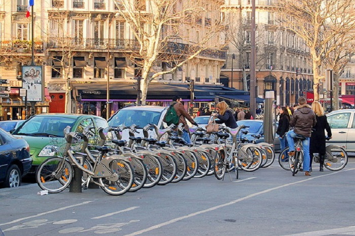 Очень популярны экскурсии по Парижу на велосипедах.