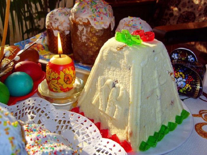 Особое блюдо из творога, которое по русской традиции готовится только один раз в году - на праздник Пасхи.