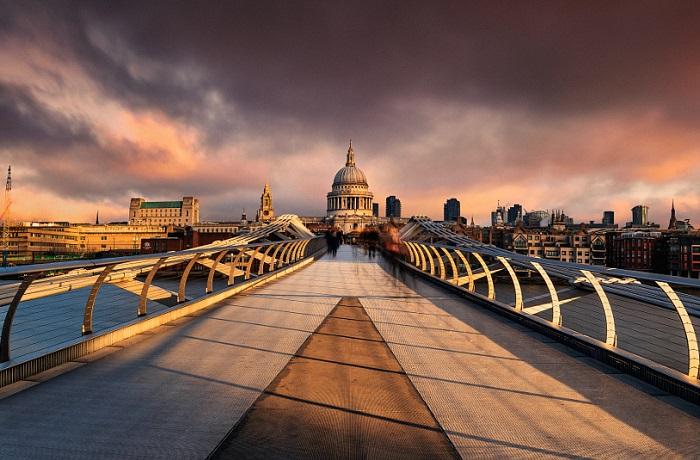 Кафедральный собор, являющийся духовным центром Лондона.