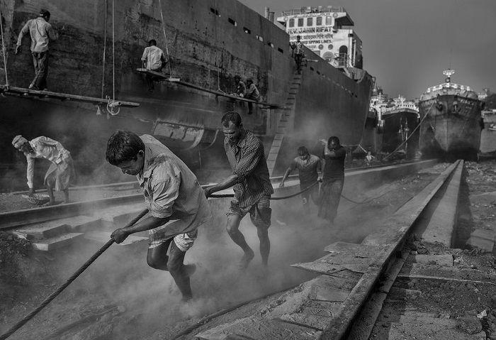 Автор снимка «Ржавчина и пот» – испанский фотограф Мауро де Беттио (Mauro De Bettio).