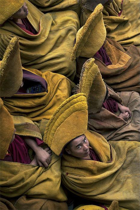 Автор снимка «Тибетские монахи » – китайский фотограф Маттиа Пассарини (Mattia Passarini).