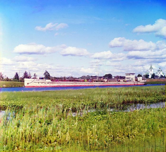 Баржа братьев Нобель на реке Вытегра у деревни Анхимово.