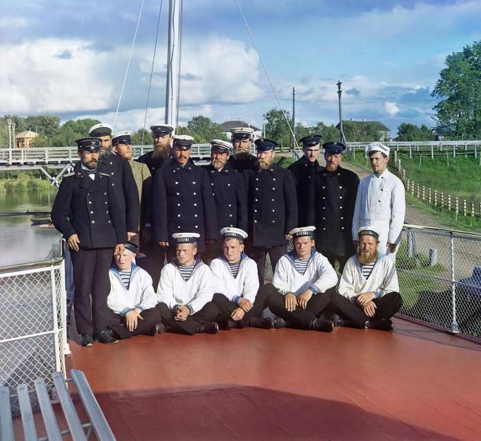 Экипаж выделенный Прокудину-Горскому для путешествия по Мариинскому каналу.