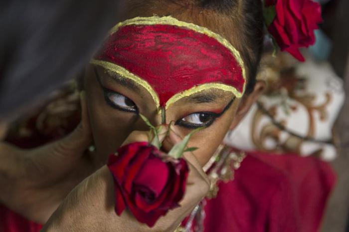 Кумари селения Токха, девятилетняя девочка, которая стала живой богиней в раннем детстве.
