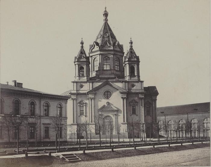 Первый каменный храм Санкт-Петербурга.