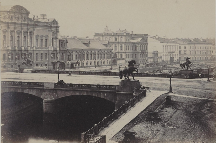 Один из самых известных мостов Петербурга.