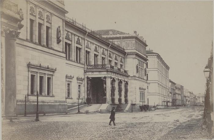 Художественный и культурно-исторический музей Санкт-Петербурга.