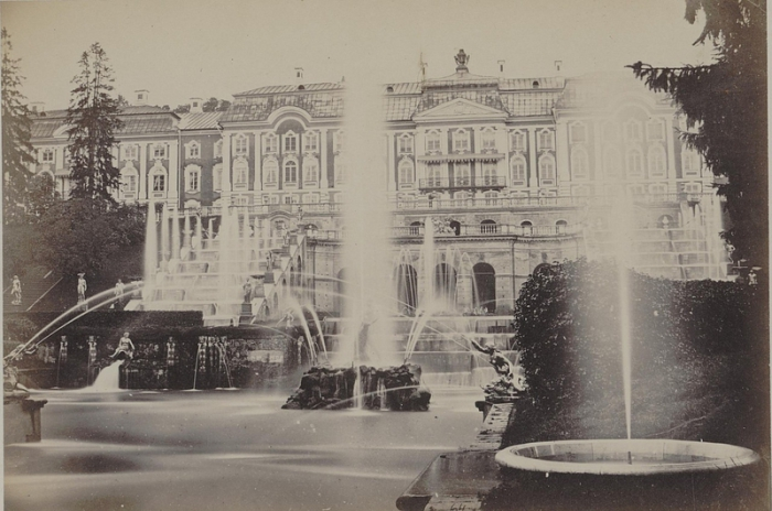 По праву считается самым красивым дворцом Европы.