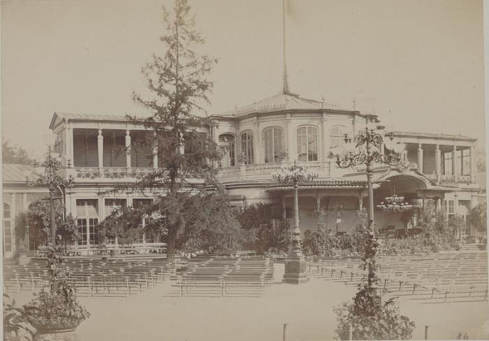 Вокзала был устроен как музыкальное здания, для удовольствия и развлечения столичной публики.