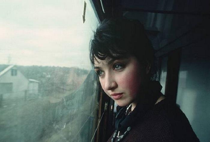 Питер Тернли запечатлел интересное лицо молодой женщины, встреченной им в поезде.