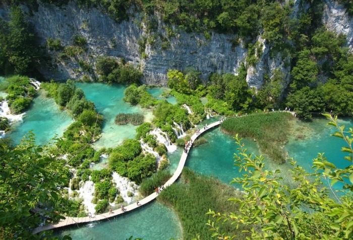 Озёра — находятся в центральной части Хорватии.