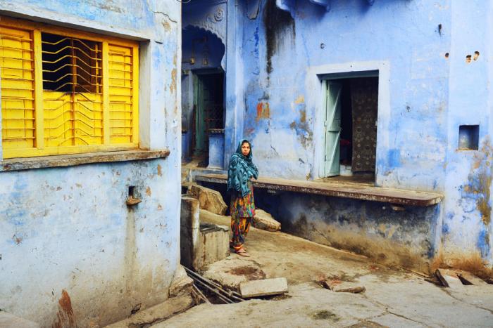 Улочка города в северо-западной части Индии. Автор фотографии: Райта Кувахара (Raita Kuwahara).