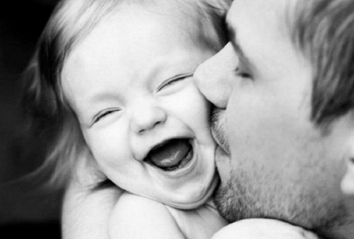 Отцы, которые души не чают в своих дочурках.