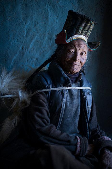 Женщина, проживающая в стране перевалов.