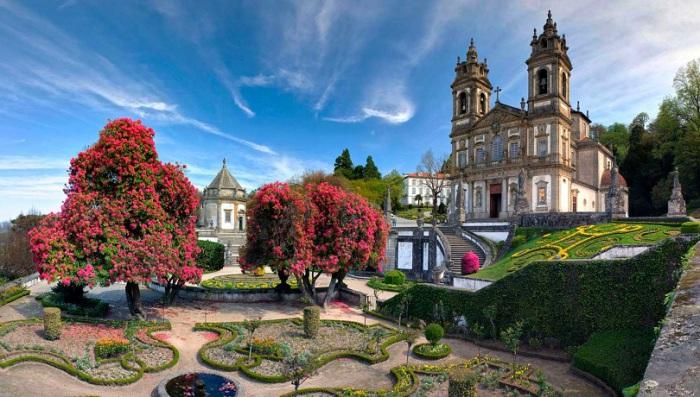 Церковь была построена в стиле португальского барокко и посвящена жизни Иисуса Христа. Фотограф - Наталья Лагутина.