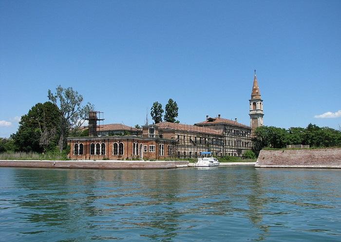 Самый известный остров Венецианской лагуны.