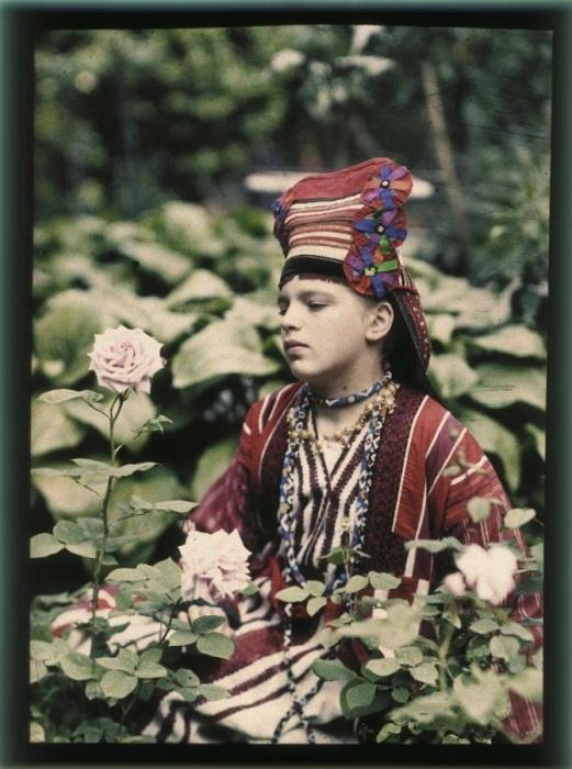 Козакова, демонстрирует новое убранство, 1914 год.