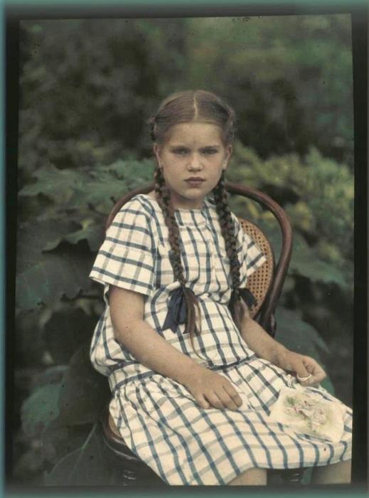Памятная фотография в зелени, 1911 год.