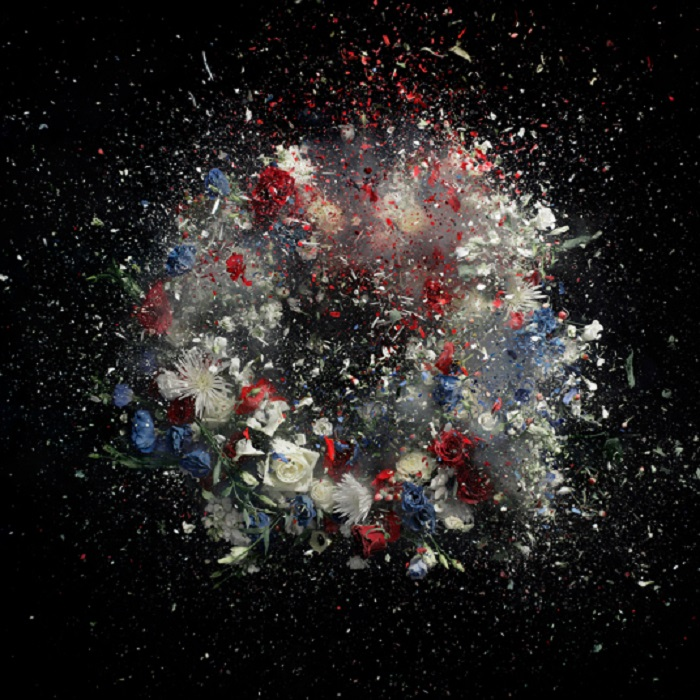 Из серии «Взрыв». Фотограф Ori Gersht.
