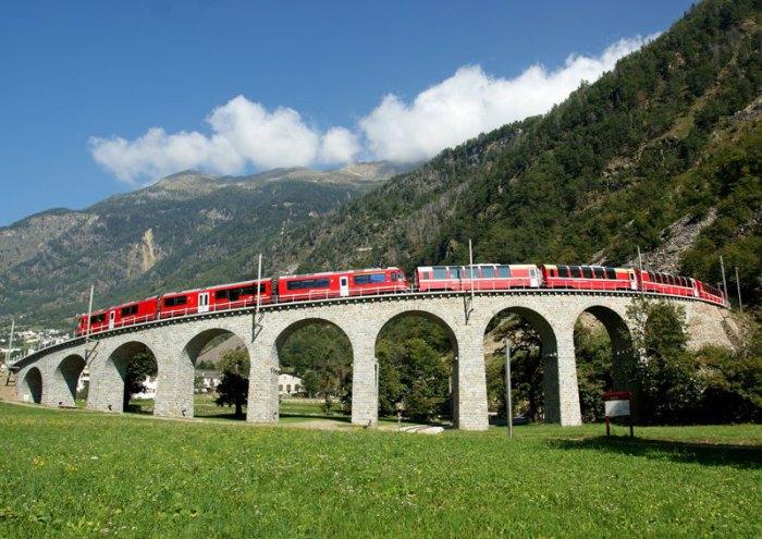 Железная дорога Альбула - Бернина составляет выдающийся технический, архитектурный и экологический ансамбль и воплощает успехи строительной техники и гражданского строительства в гармонии с пейзажами, через которые она проходит.