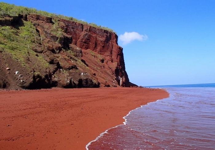 Красный пляж Каихалулу.