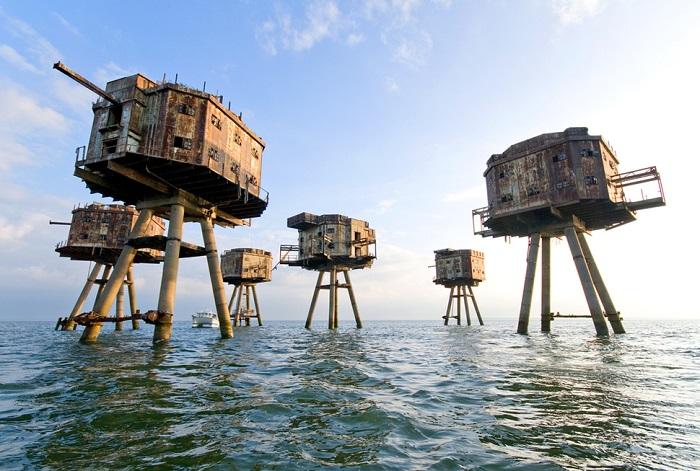 После окончания военных действий во время Второй мировой войны, сооружения были заброшены.